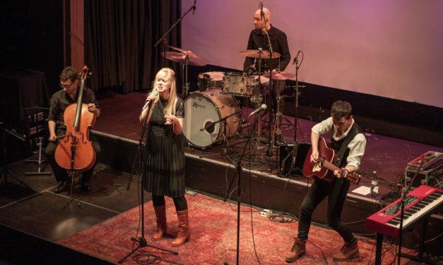 Carolin No auf Jubiläumstournee in Ansbach – Standing Ovations für die Ausnahmemusiker
