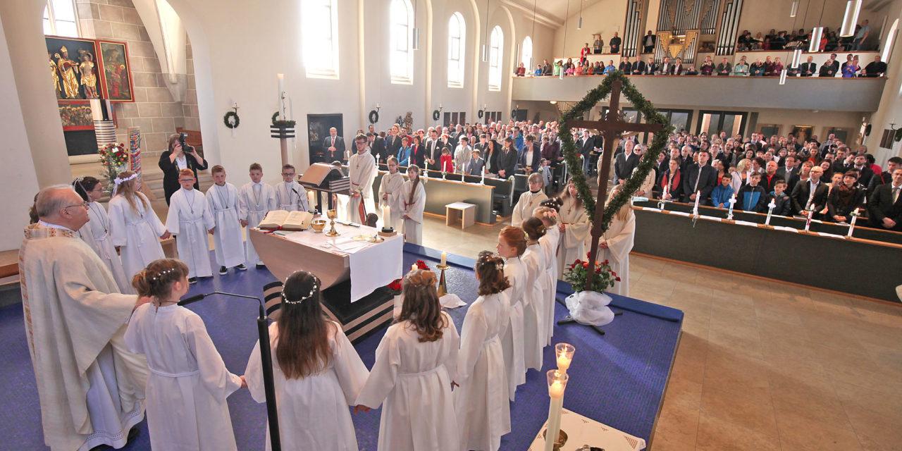 """""""Am Tisch des Herrn"""" – Katholiken in der Region feierten den Weißen Sonntag"""